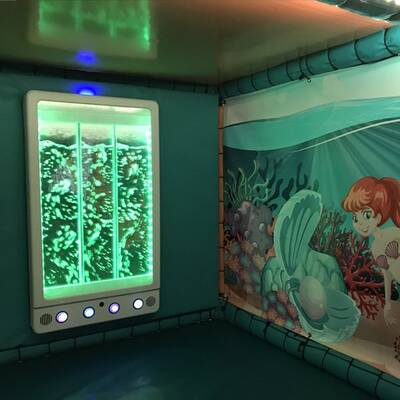 Interactive bubble wall panel for sensory rooms