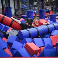 Blue Red Foam Trampoline Park Agility Course Foam Pit Feature Balance Beam Battle